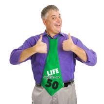 50-es Life Begins At 50 Feliratos Születésnapi Party Nyakkendő