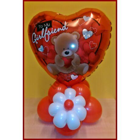 Valentin szívecskés dekoráció virággal